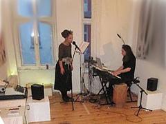 Arp performance bei Stefanie Schairer